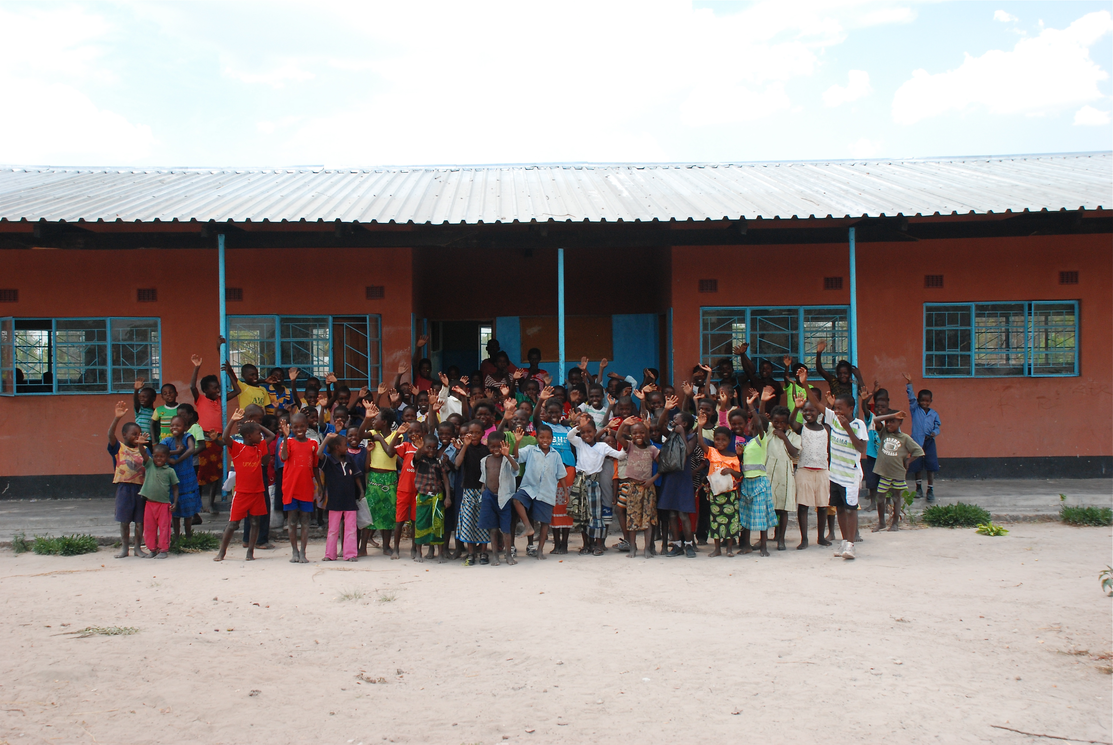 Kasesha region. Eindelijk een school voor kinderen vanaf 6 jaar